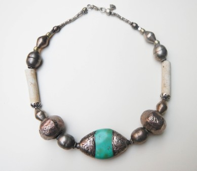 SOLD silver hand-hammered on clay and pitch, Thames pipes and turquoise finished in silver ~ argento battuto su pece e su argilla, pipe dal Tamigi in terracotta e turchese rifinito in argento decorato a mano